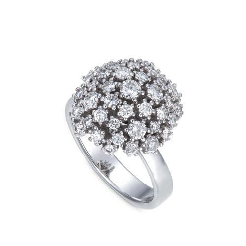 Anel de ouro branco 18K com diamantes - Coleção Buquê de Diamantes