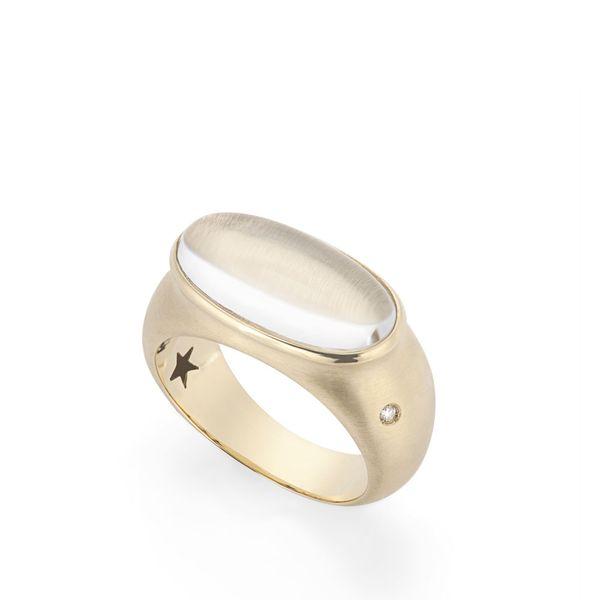 anel-de-ouro-amarelo-18k-com-crista-de-rocha-e-diamante-colecao-justine-A2CR114828