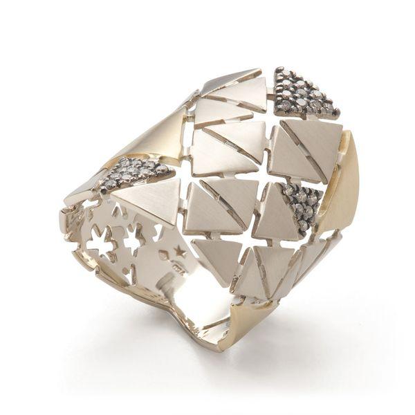 Anel-de-ouro-amarelo-e-Ouro-Nobre-18K-com-diamantes-cognac---Colecao-Ancient-America-A1OE196850