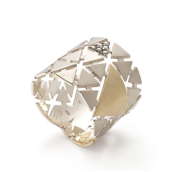 Anel-de-ouro-amarelo-e-Ouro-Nobre-18K-com-diamantes-cognac---Colecao-Ancient-America-A1OE196851