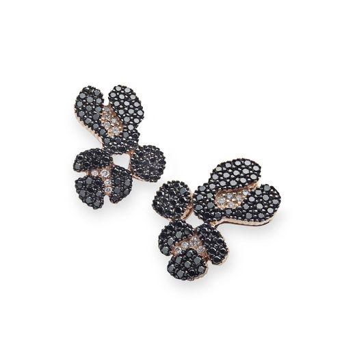 Par-de-brincos-de-ouro-rose-18K-com-diamantes-negros-e-brancos---Colecao-Ancient-America-B0B196767