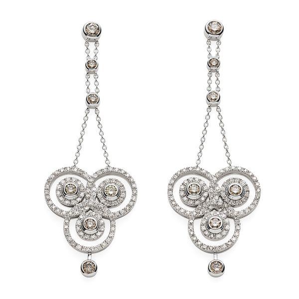 Par-de-brincos-de-ouro-branco-18K-com-diamantes-brancos-e-cognac---Colecao-Jogo-de-Cartas---B3B202435