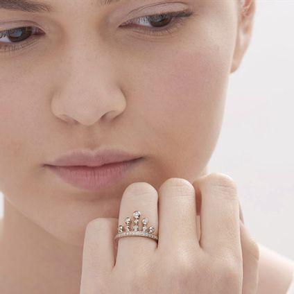 Anel-de-Ouro-Nobre-18K-com-diamantes-cognac---Colecao-Jogo-de-Cartas---LookBook