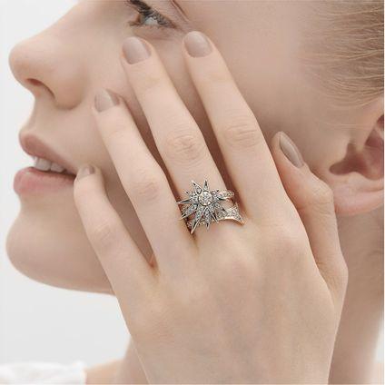 Anel-de-Ouro-Nobre-18K-com-diamantes-cognac---Colecao-Genesis-H.Stern---LookBook