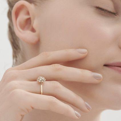Anel-de-ouro-amarelo-18K-com-diamantes---Colecao-Buque-de-Diamantes---LookBook