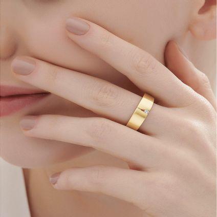 Anel-de-ouro-amarelo-18K-com-diamante---Colecao-Assinatura-HS---LookBook
