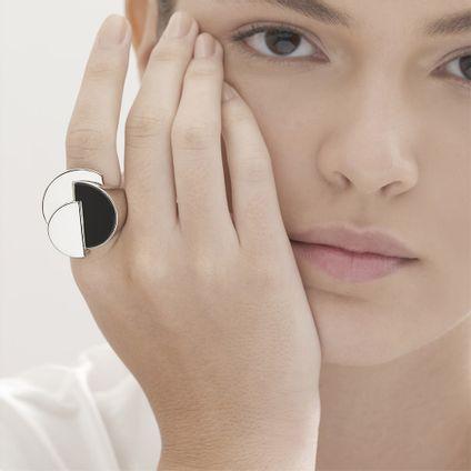 Anel-de-prata-925-com-quartzo-negro---Colecao-Roberto-Burle-Marx---LookBook