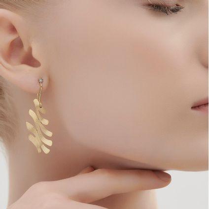 Par-de-brincos-de-ouro-amarelo-18K-com-diamantes-cognac---Colecao-Grupo-Corpo---LookBook