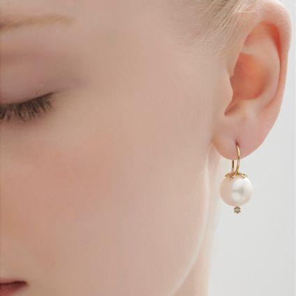 Par-de-brincos-de-ouro-amarelo-18K-com-perolas-e-diamantes---Colecao-Perolas---LookBook