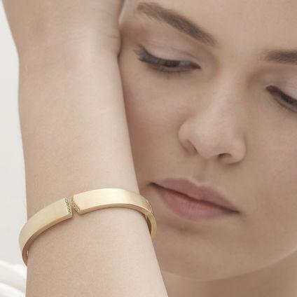 Pulseira-de-ouro-amarelo-18K-com-diamantes---Colecao-Assinatura-HS---LookBook
