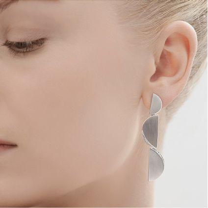Par-de-brincos-de-prata-925-com-diamantes---Colecao-Roberto-Burle-Marx---B8B214763