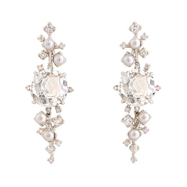 Par-de-brincos-de-Ouro-Nobre-18K-com-cristais-de-rocha-perolas-e-diamantes-cognac---Colecao-Gravity